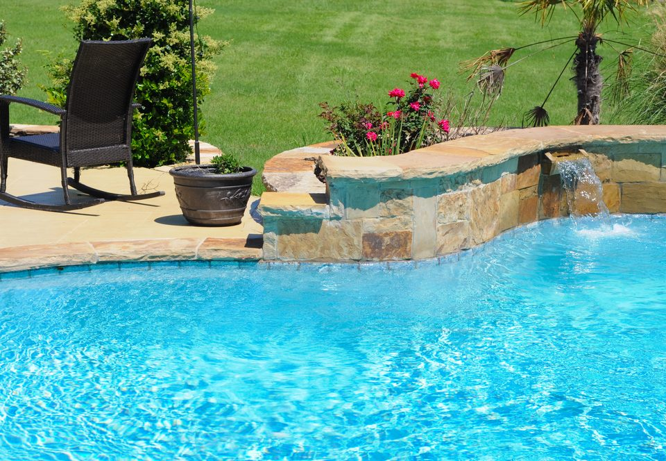 saltwater pools VS freshwater pool