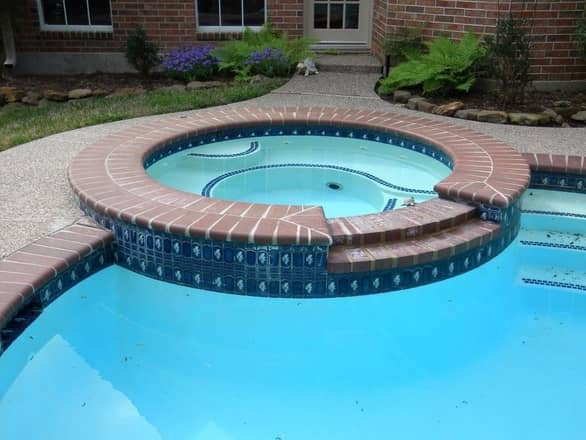 Pool Jacuzzi renovation before photo